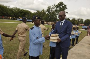 Remise de prix Collège militaire Eyadéma