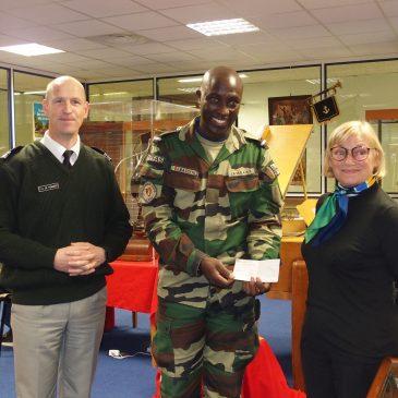 FRÈRES D'ARMES soutient et récompense un sous-officier stagiaire sénégalais du commandement des musiques de l'armée de Terre